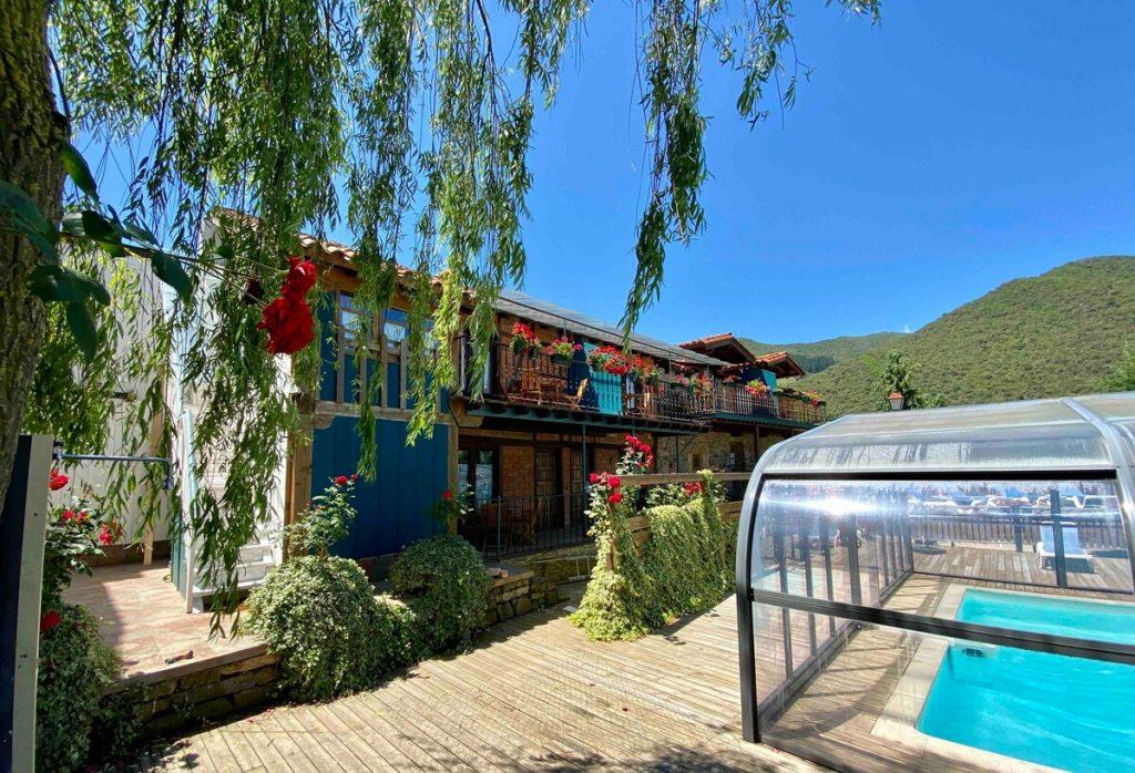 hotel rural con piscina cubierta en cantabria
