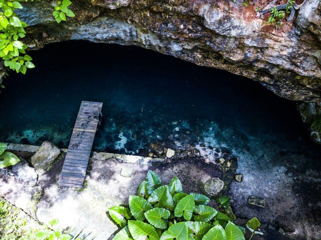 cenote privado en hacienda de lujo