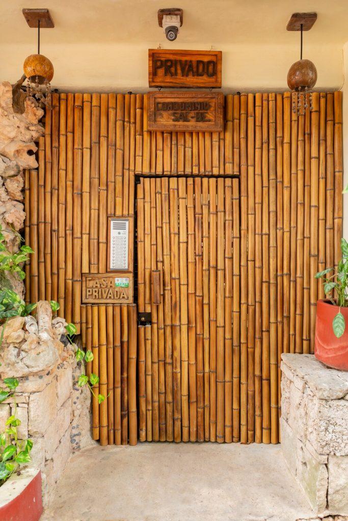 acceso alojamiento airbnb 5 avenida playa del carmen