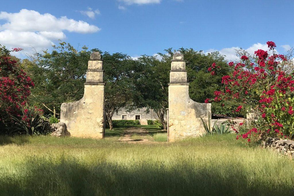 acceso de la hacienda