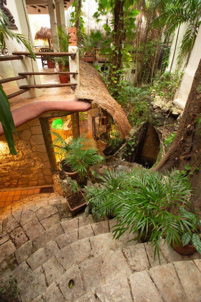 escaleras de acceso airbnb cenote