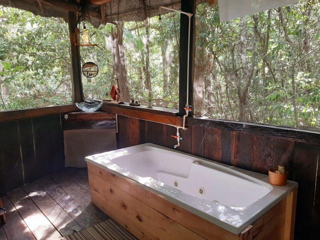 disfrutar de un baño en la naturaleza